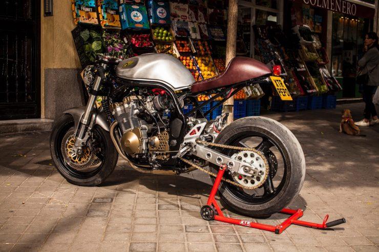 suzuki bandit 600 motorcycle 6 740x493 - XTR Pepo Suzuki Bandit 600
