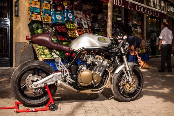 suzuki bandit 600 motorcycle 8 740x493 - XTR Pepo Suzuki Bandit 600