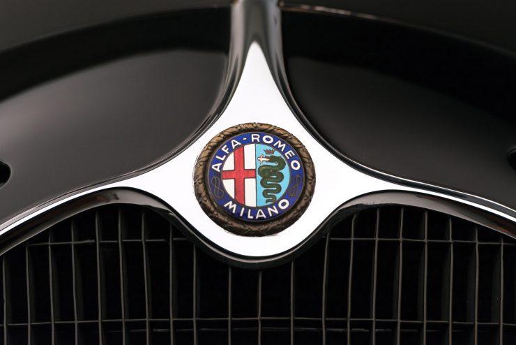 Alfa Romeo 6C 2500 Badge 740x494 - 1942 Alfa Romeo 6C 2500 SS Spider