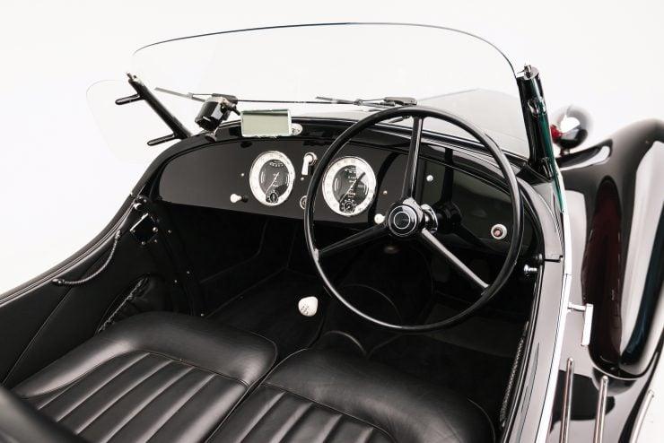 Alfa Romeo 6C 2500 Cockpit 740x494 - 1942 Alfa Romeo 6C 2500 SS Spider