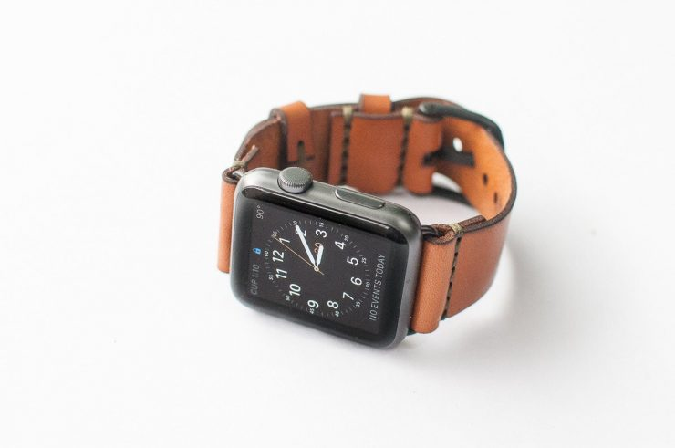 Bexar Goods Bridle Leather Apple Watch Strap 3 740x491 - Bexar Goods Bridle Leather Apple Watch Strap