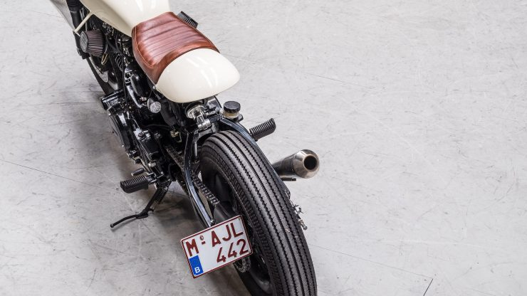 Moto Adonis Yamaha TR1 Cafe Racer 11 740x416 - Moto Adonis Yamaha TR1 Cafe Racer