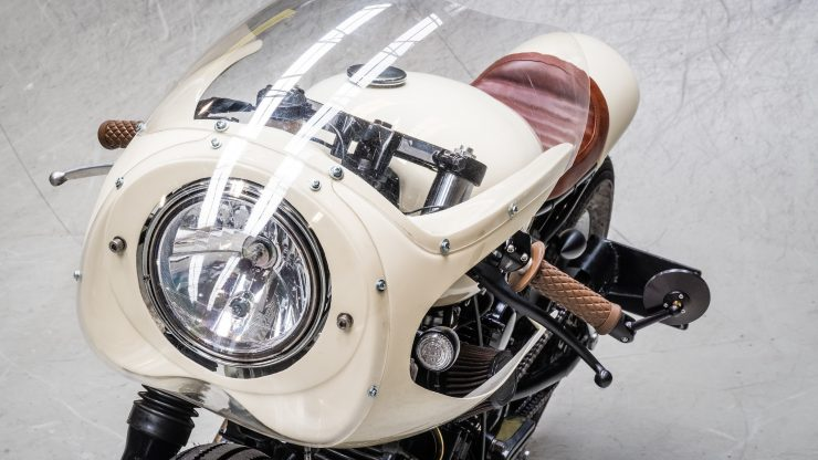 Moto Adonis Yamaha TR1 Cafe Racer 8 740x416 - Moto Adonis Yamaha TR1 Cafe Racer