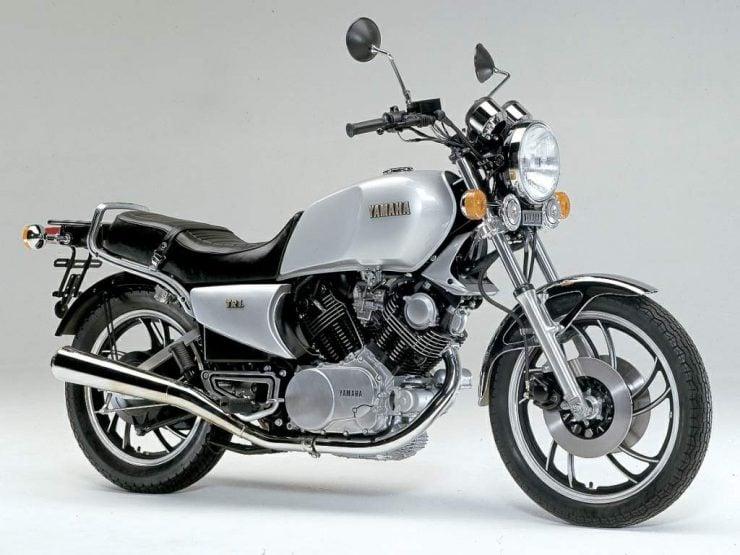 Yamaha TR1 Motorbike 740x555 - Moto Adonis Yamaha TR1 Cafe Racer