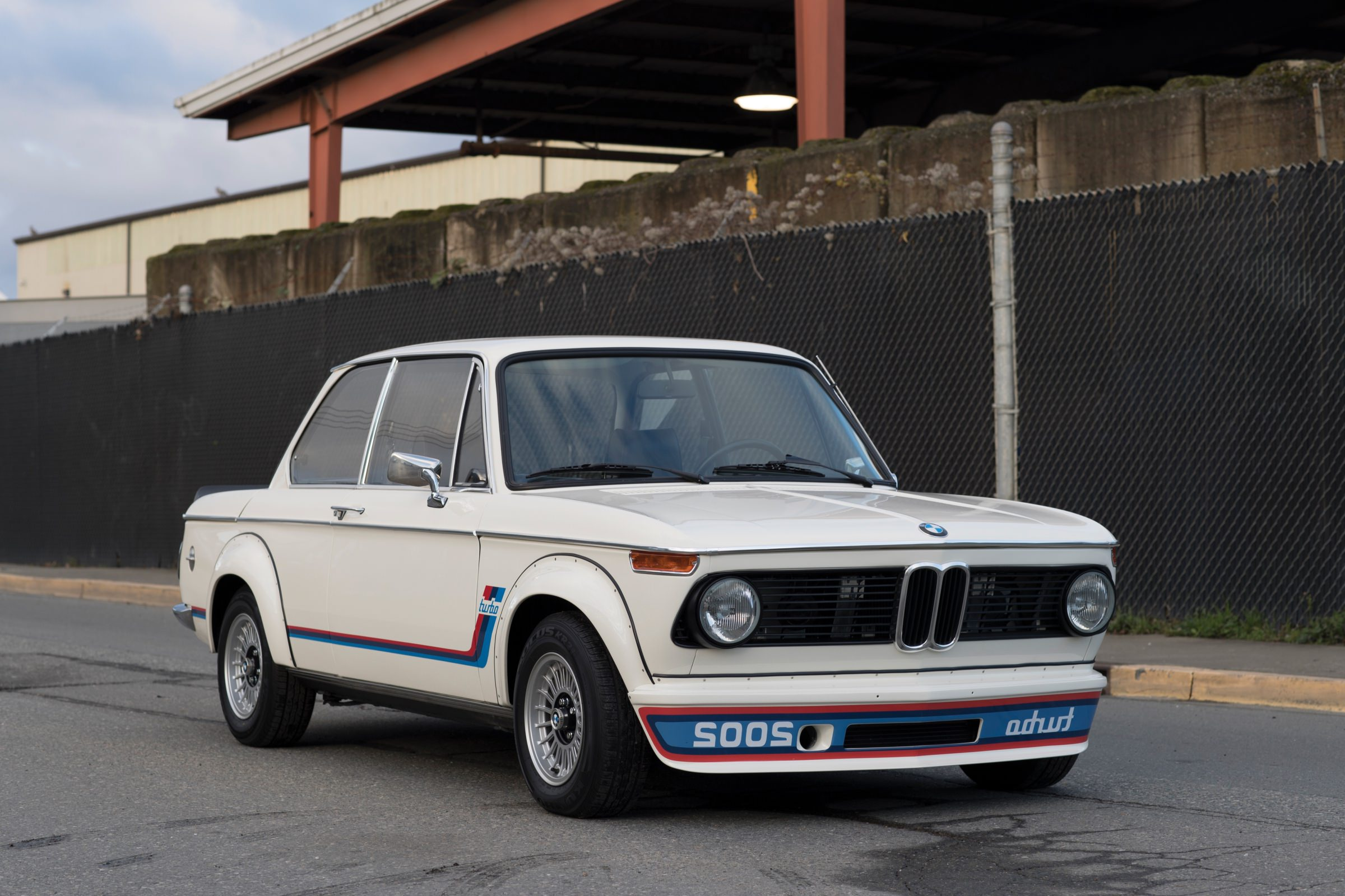 1974 bmw 2002 turbo the mighty little bmw that started it all. Black Bedroom Furniture Sets. Home Design Ideas