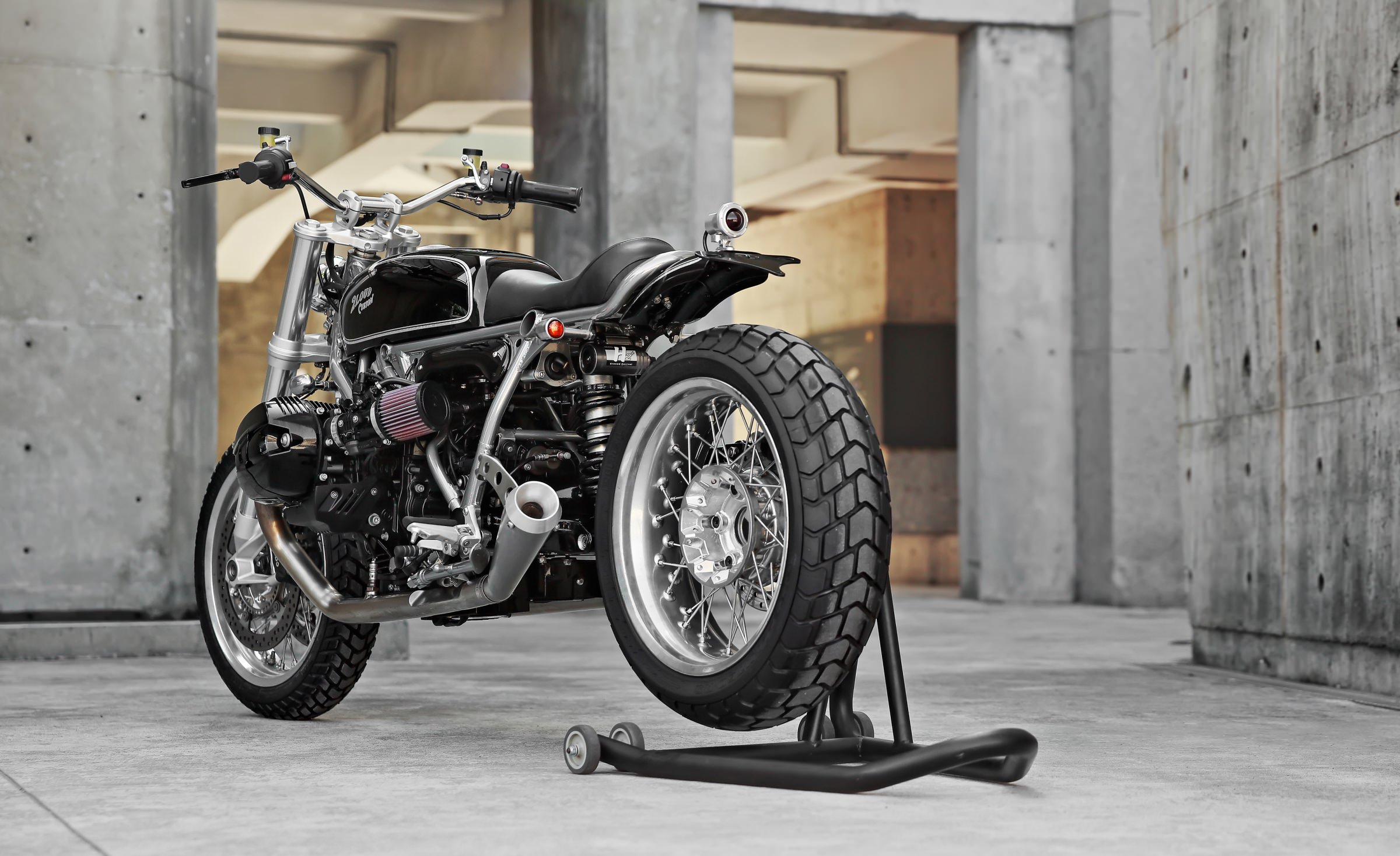 R Nine T Custom Cafe Racer