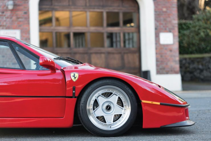 ferrari f40 car 2 740x494 - 1990 US-Spec Ferrari F40