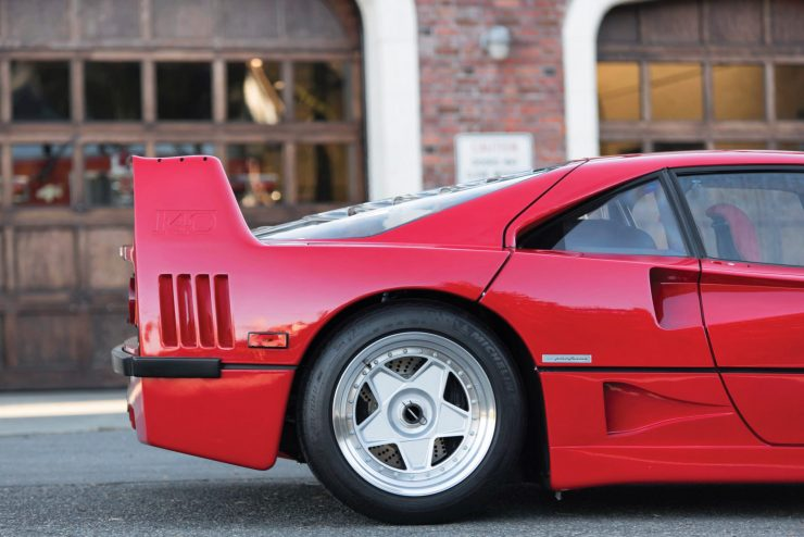 ferrari f40 car 8 740x494 - 1990 US-Spec Ferrari F40