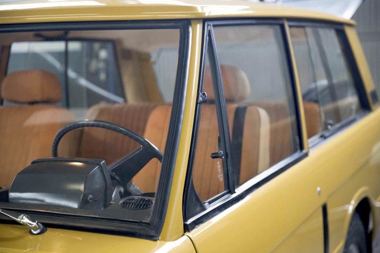 range rover classic 26 740x493 - 1973 Range Rover Classic