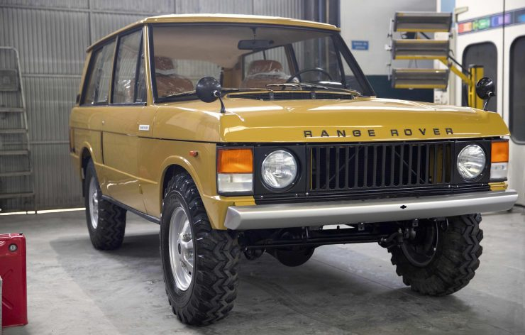 range rover classic 29 740x472 - 1973 Range Rover Classic