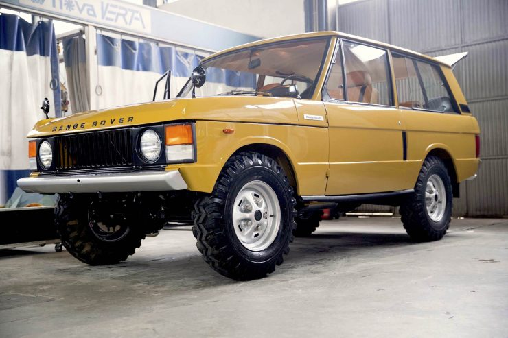 range rover classic 31 740x493 - 1973 Range Rover Classic