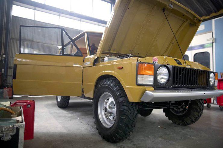 range rover classic 33 740x493 - 1973 Range Rover Classic