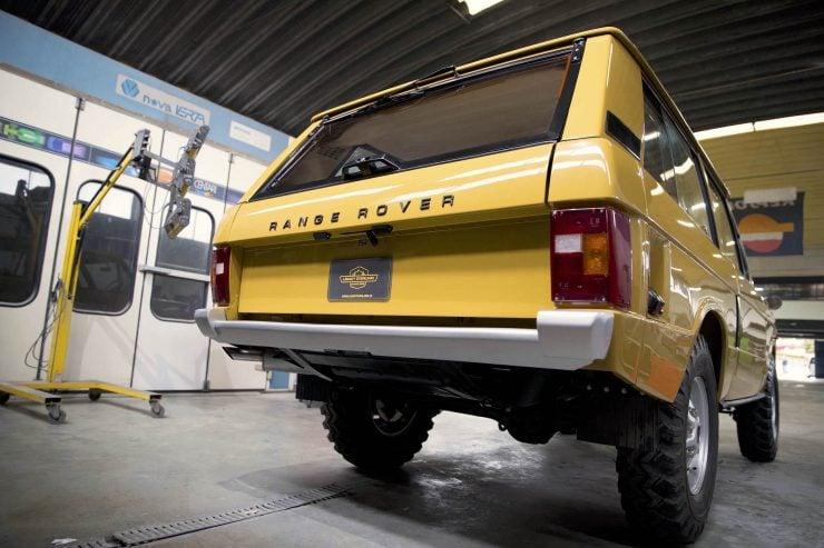range rover classic 7 740x493 - 1973 Range Rover Classic