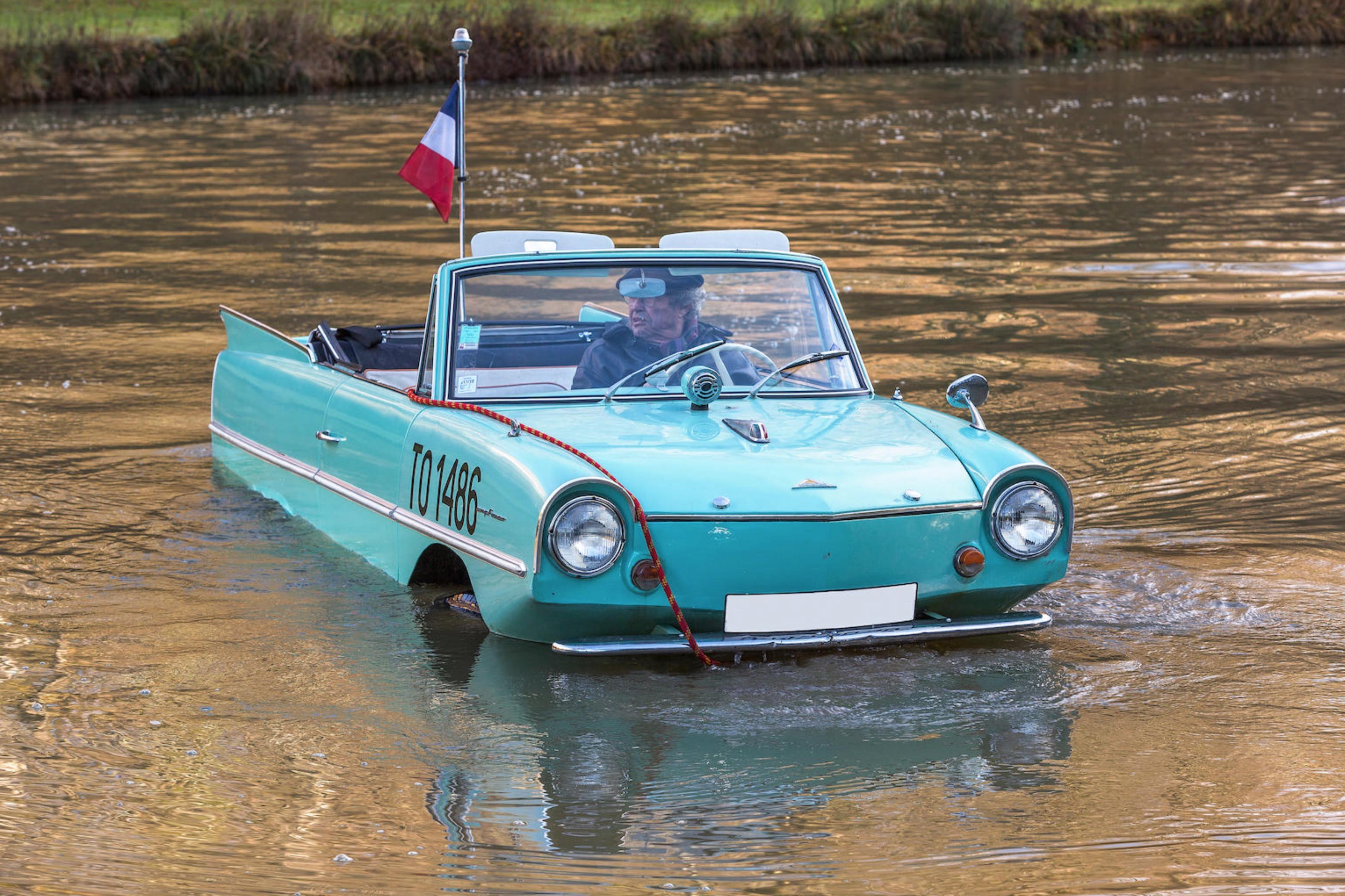 An Amphibious Classic The 1963 Amphicar 770
