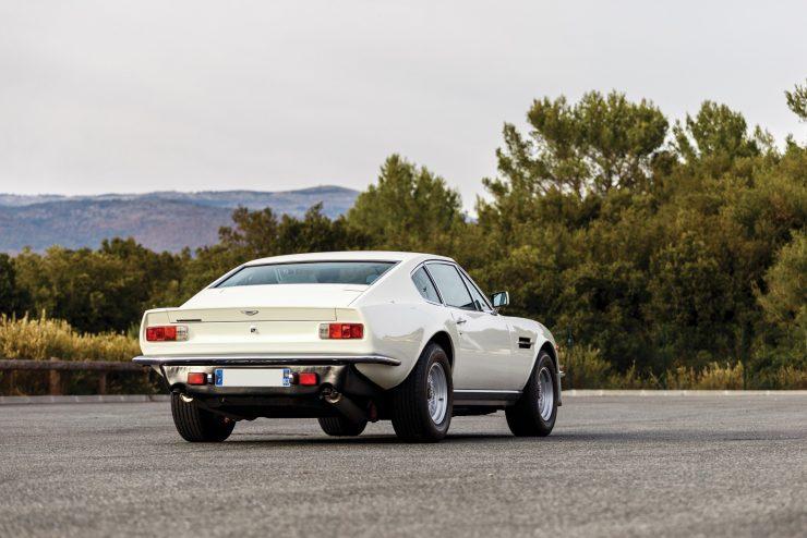 aston martin v8 vantage 18 740x494 - Britain's First Supercar: The Aston Martin V8 Vantage