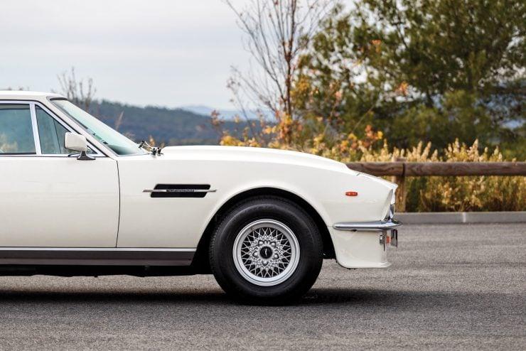 aston martin v8 vantage 25 740x494 - Britain's First Supercar: The Aston Martin V8 Vantage