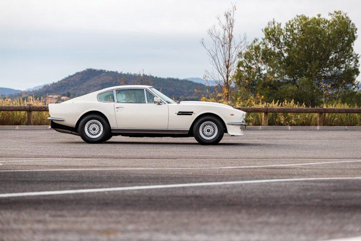 aston martin v8 vantage 6 740x494 - Britain's First Supercar: The Aston Martin V8 Vantage
