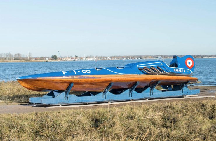 hispano suiza v12 vintage wooden hydroplane 10 740x483 - 36 Litre Hispano-Suiza V12 Powered Hydroplane