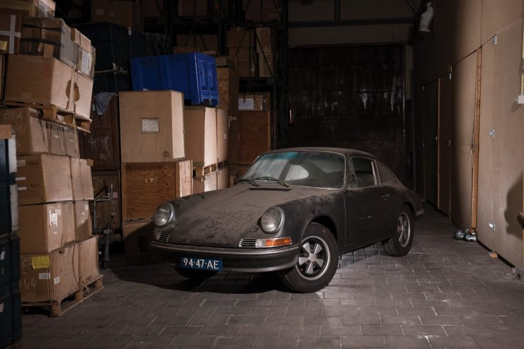 porsche 912 car 12 740x494 - Barn Find: 1965 Porsche 912