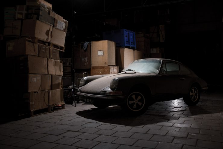 porsche 912 car 14 740x494 - Barn Find: 1965 Porsche 912
