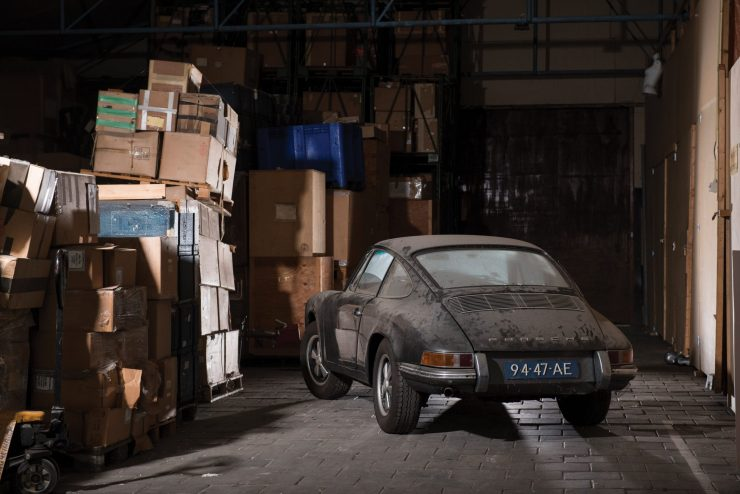 porsche 912 car 23 740x494 - Barn Find: 1965 Porsche 912