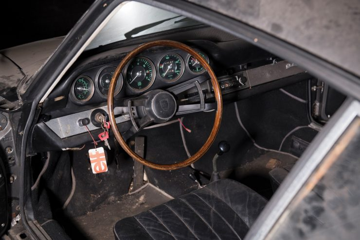 porsche 912 car 9 740x494 - Barn Find: 1965 Porsche 912