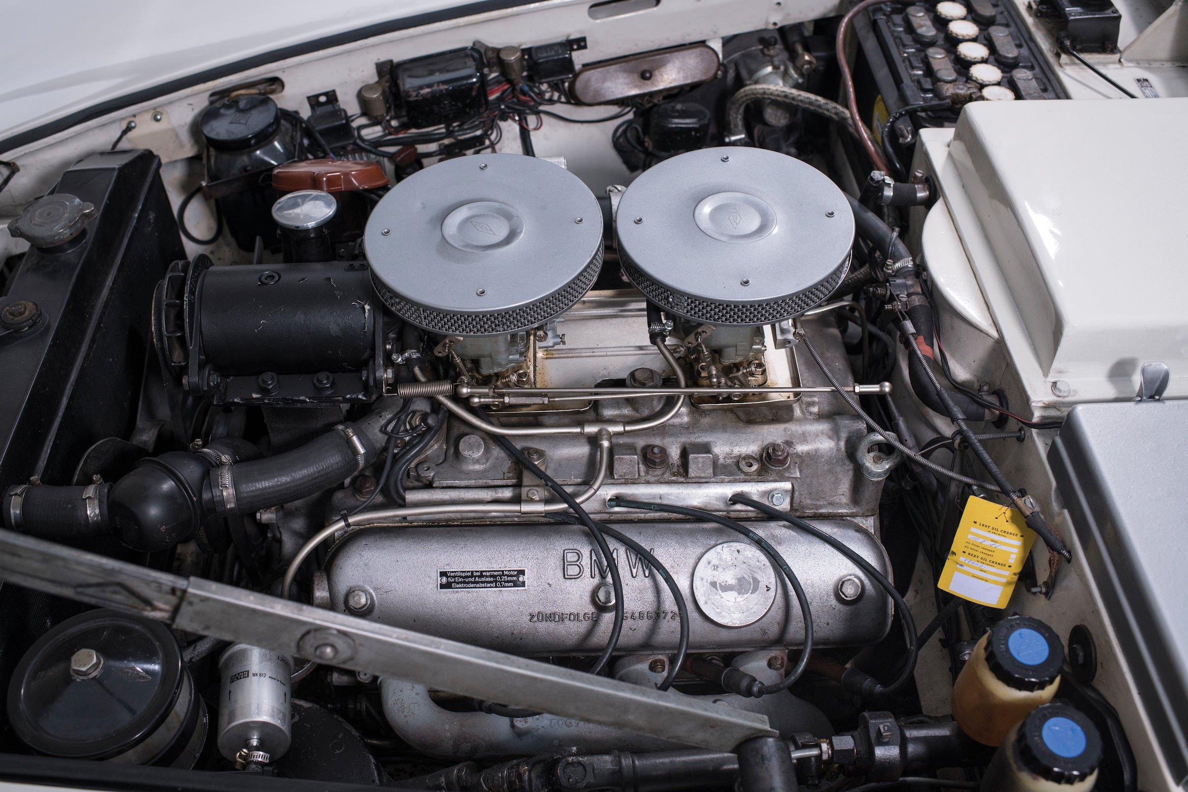 BMW 507 Roadster Engine 740x493