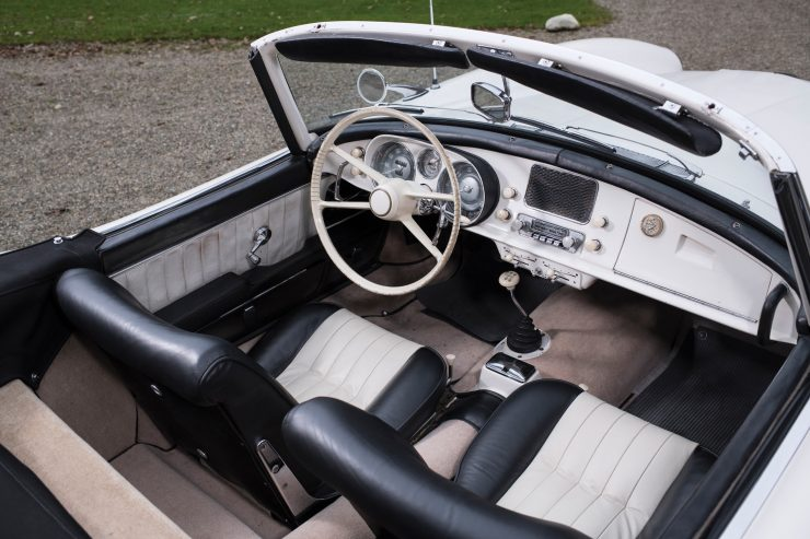 BMW 507 Roadster Interior 2 740x493 - 1958 BMW 507 Roadster Series II