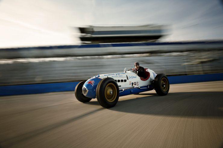 Kurtis KK4000 Offy Indy Race Car Moving