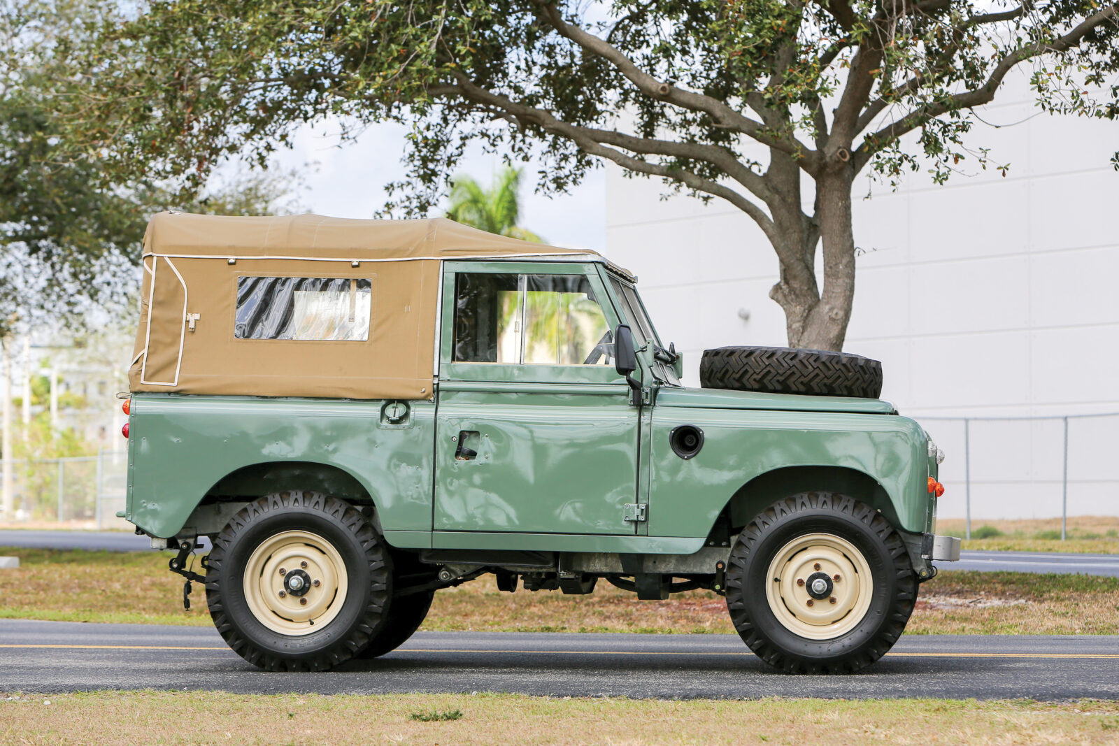 Frame-Off Restoration - 1973 Land Rover Series III SWB