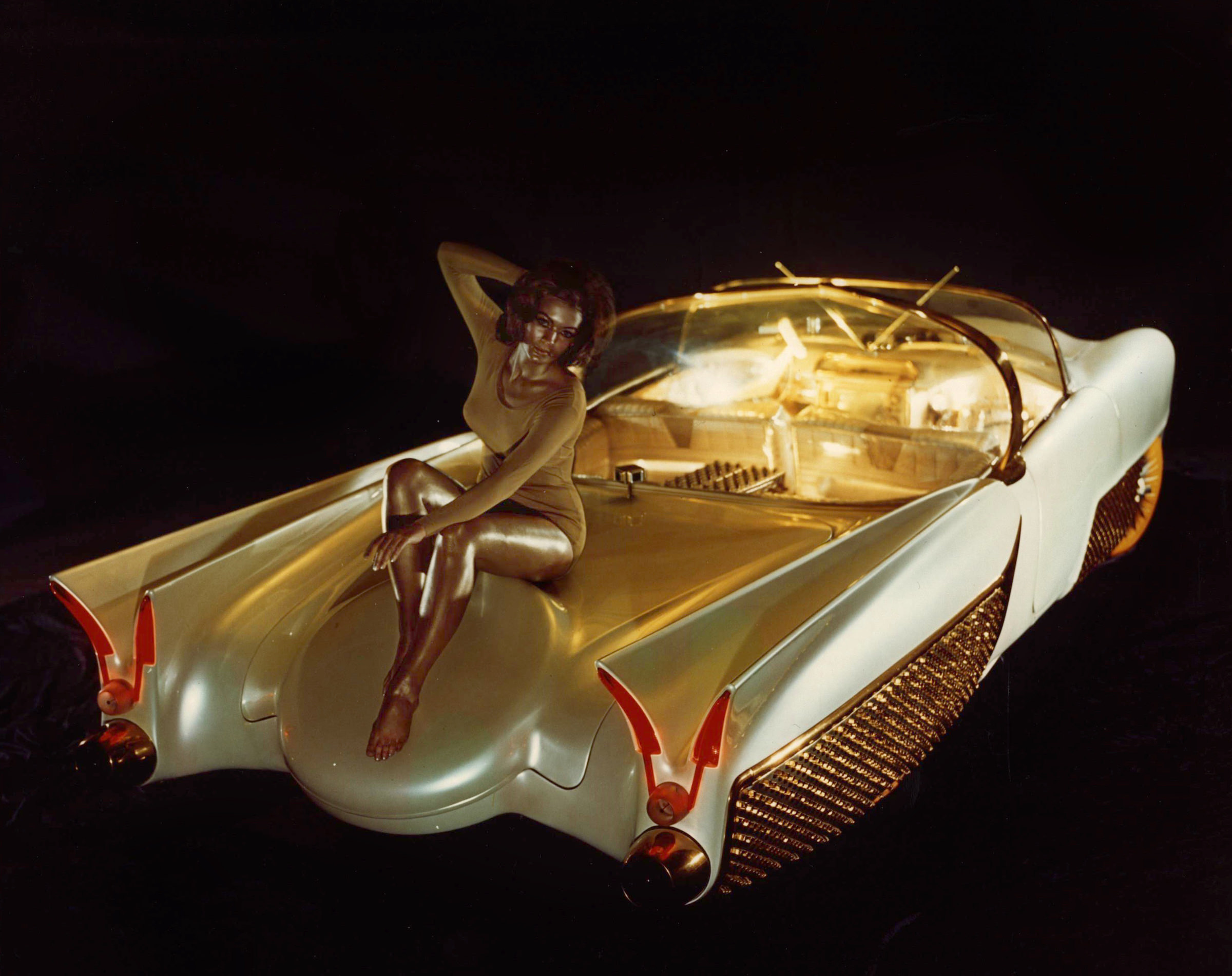 The Golden Sahara II - A Self-Driving Custom Car From The ...