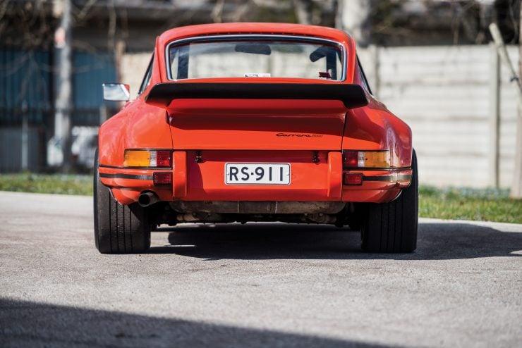 Porsche 911 Carrera Back