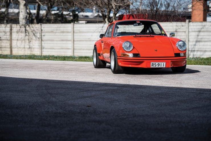 Porsche 911 Carrera Main