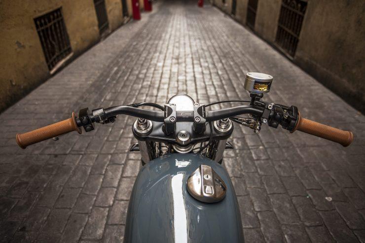 Harley Handlebars 740x493 - XTR Pepo Harley-Davidson Sportster Street Tracker