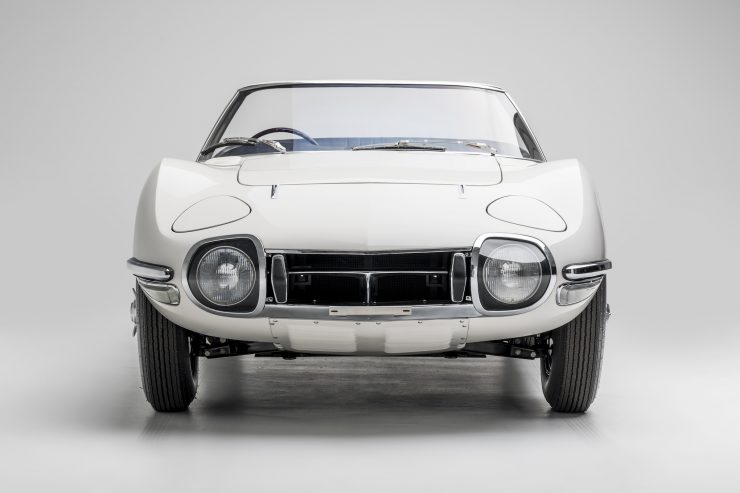 Toyota 2000GT Roadster Front