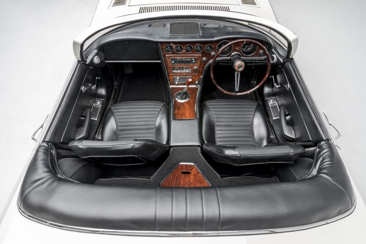 Toyota 2000GT Roadster Interior 3