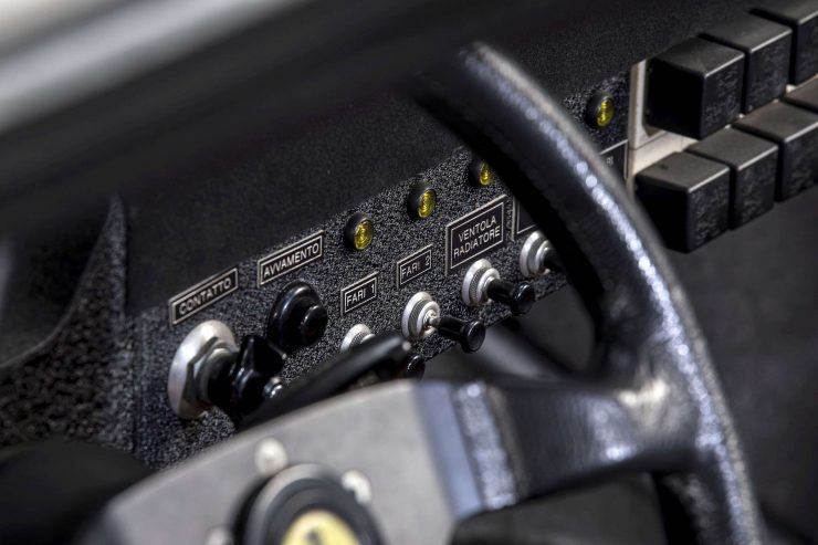 Ferrari 308 GTB Switches