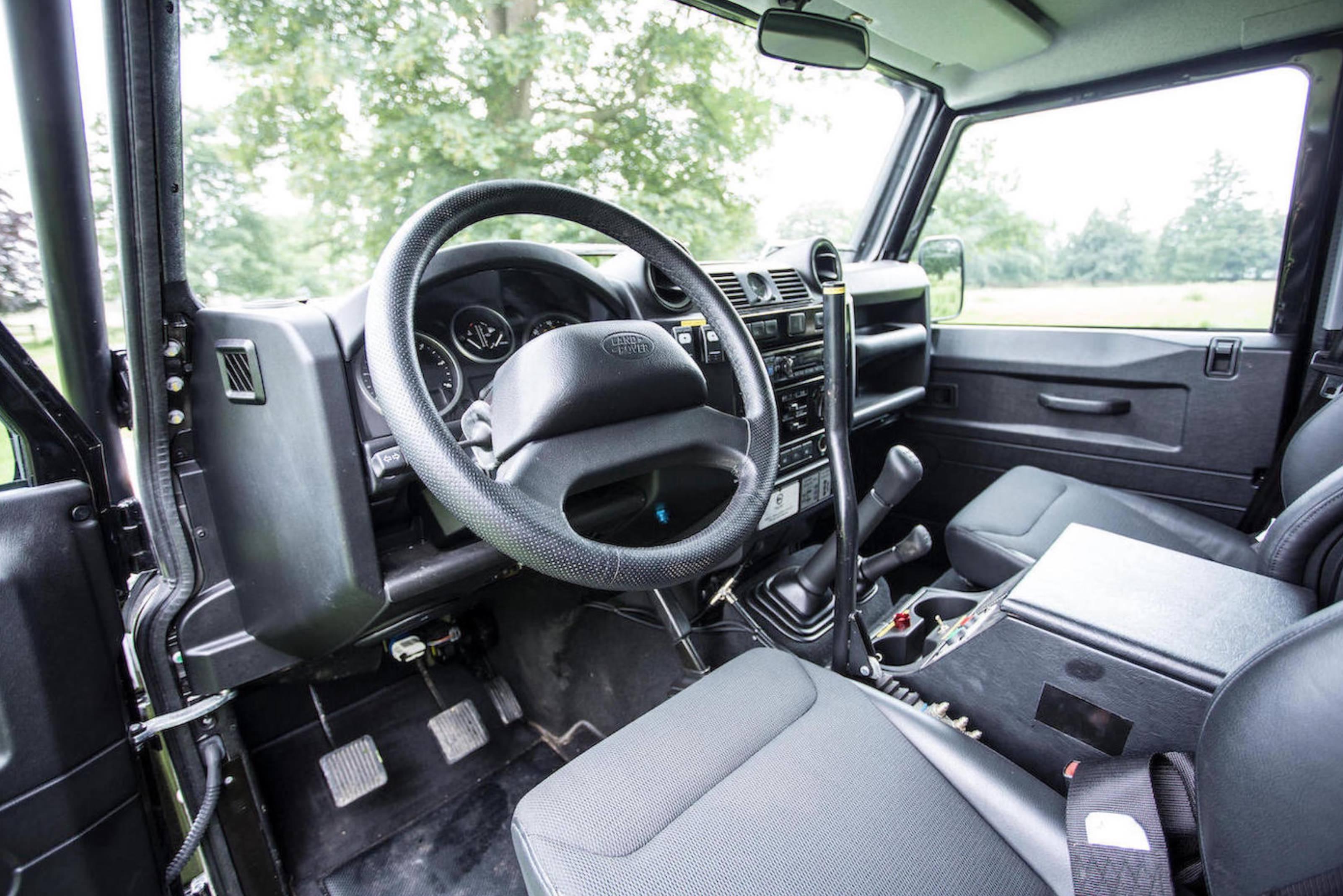 """Land Rover Models >> The James Bond """"Spectre"""" Land Rover Defender SVX"""