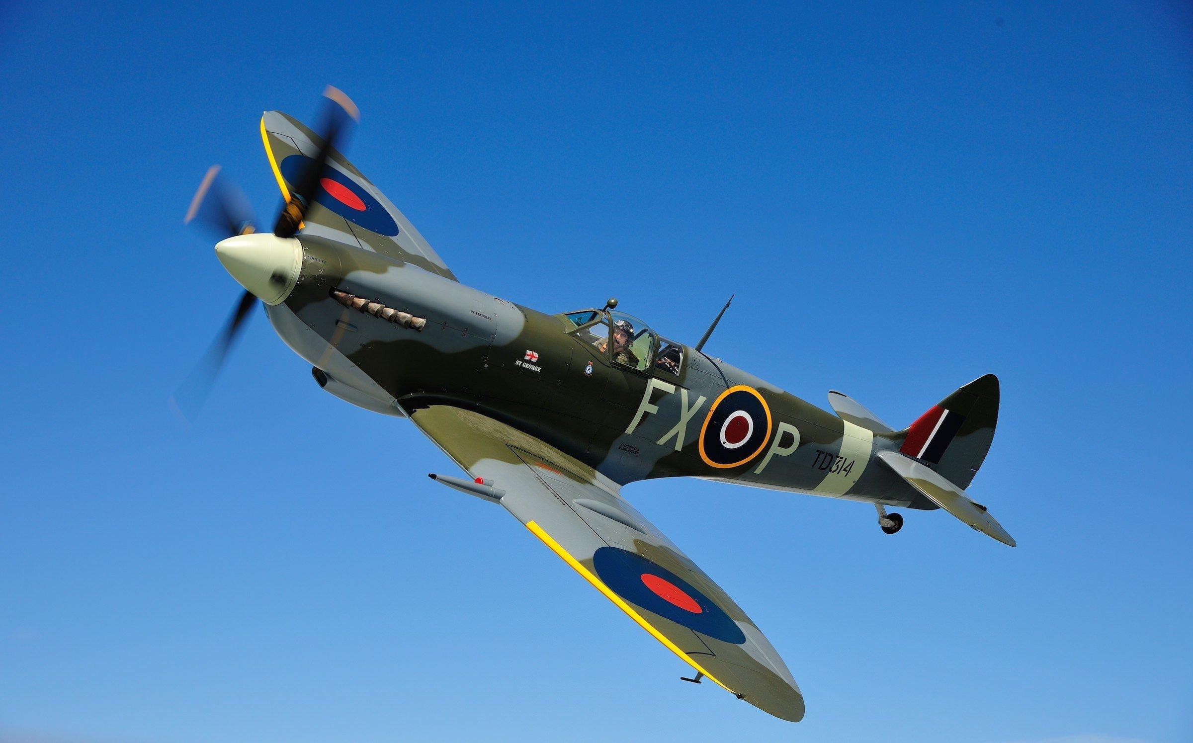 Spitfire MK IX TD314 - A Merlin 70-Powered High Level ...