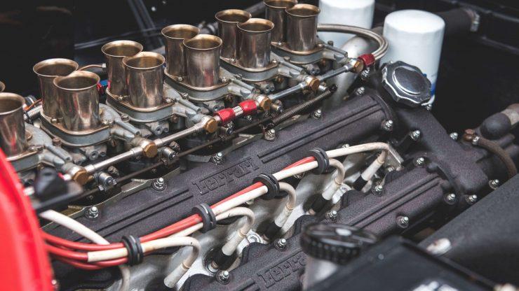 Ferrari 365 GTB/4 Daytona V12