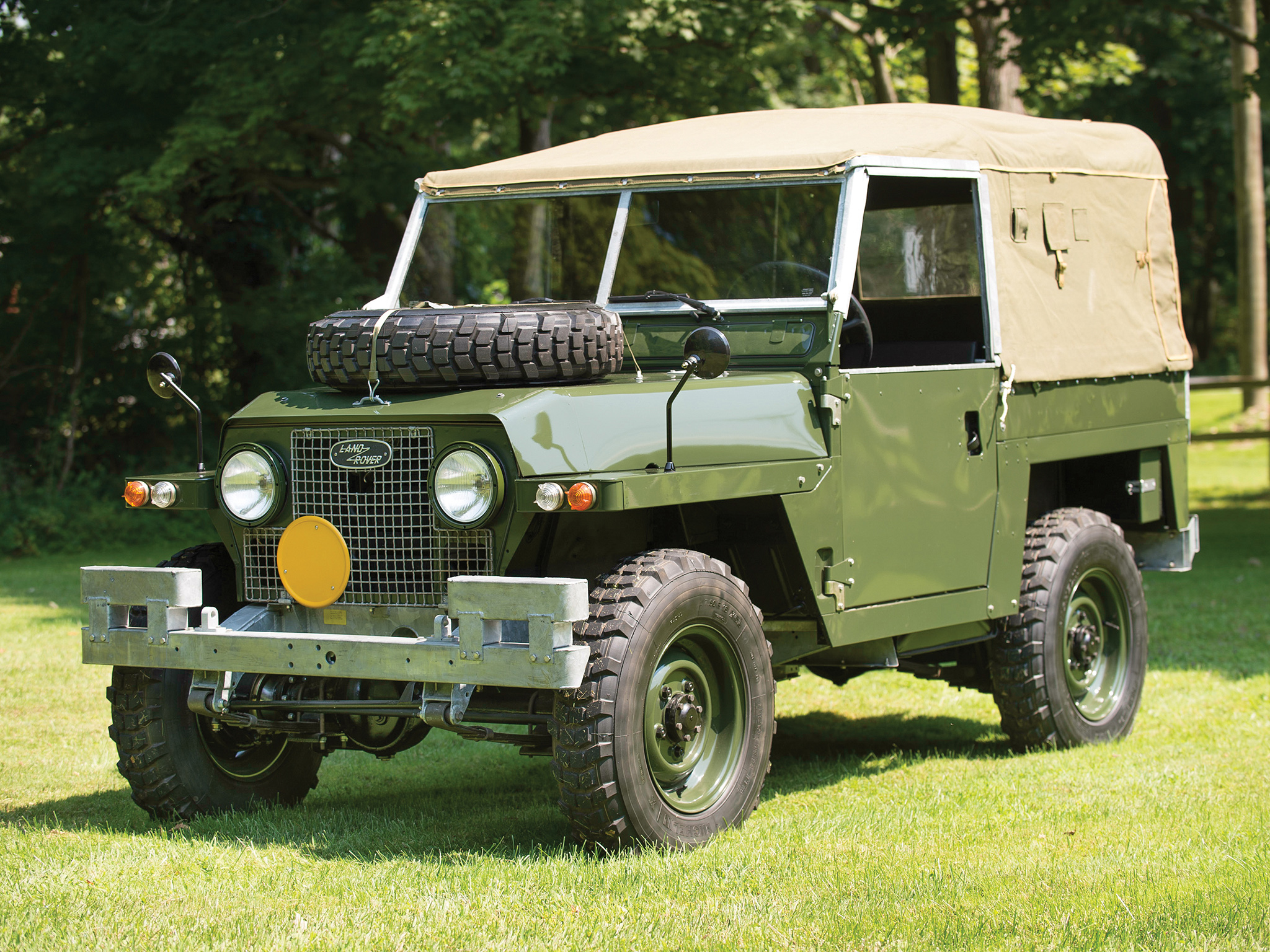 a brief history of the land rover series ii iia and iib fc. Black Bedroom Furniture Sets. Home Design Ideas