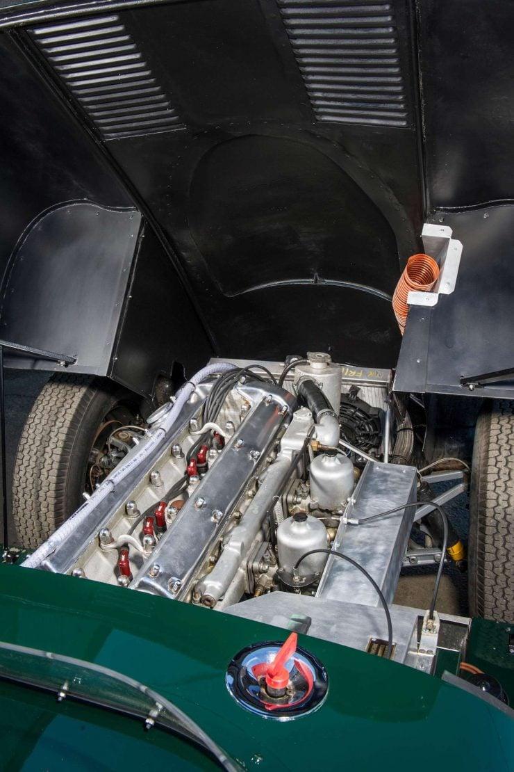 Jaguar XK140 Engine 2