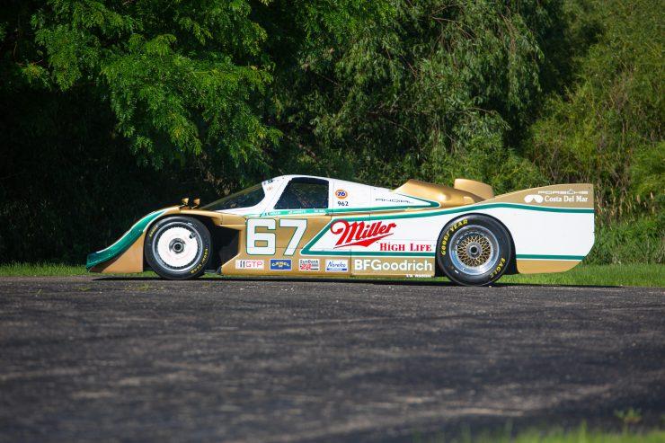 Porsche 962 Side