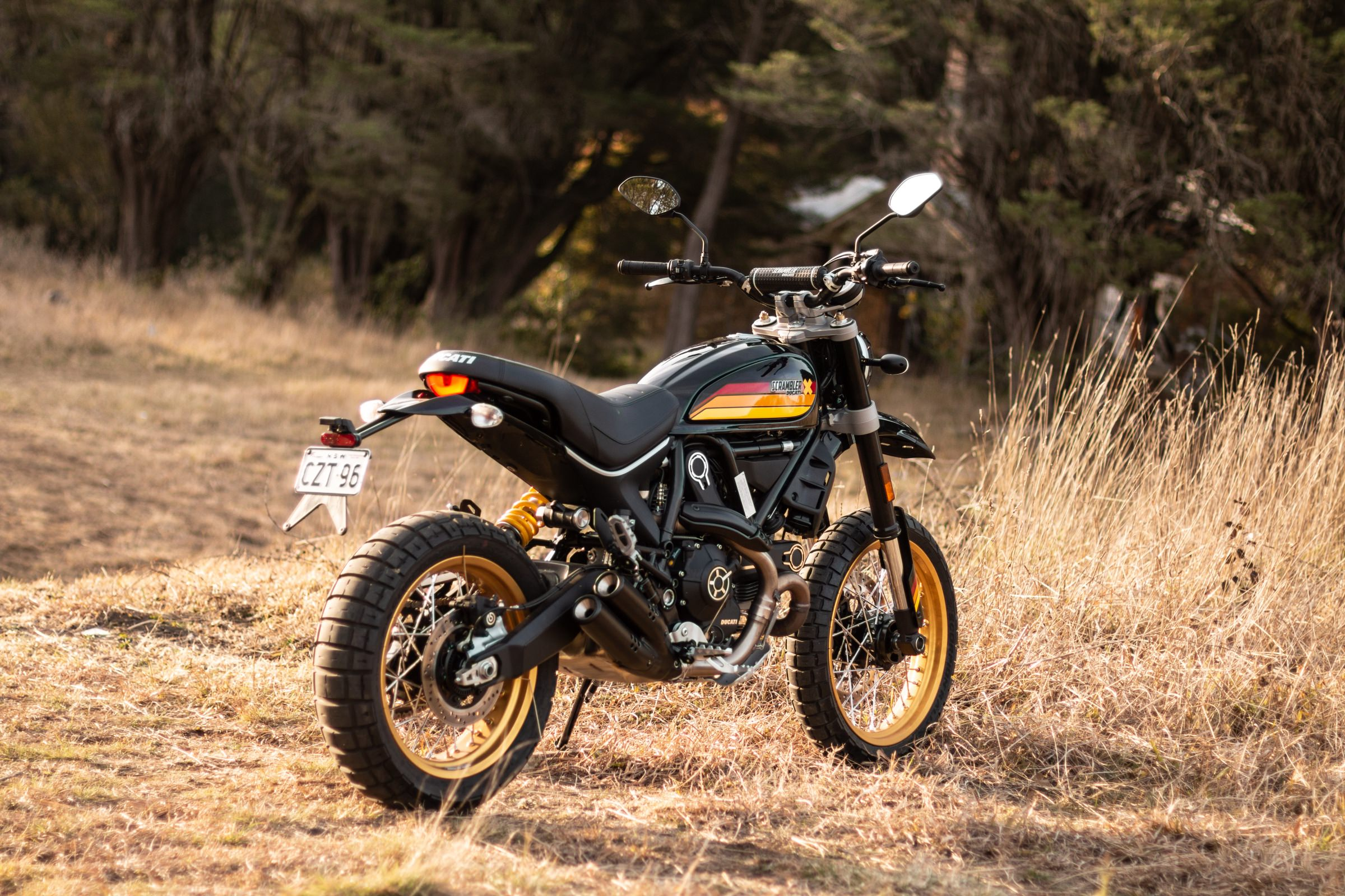 silodrome ride review the ducati scrambler desert sled. Black Bedroom Furniture Sets. Home Design Ideas