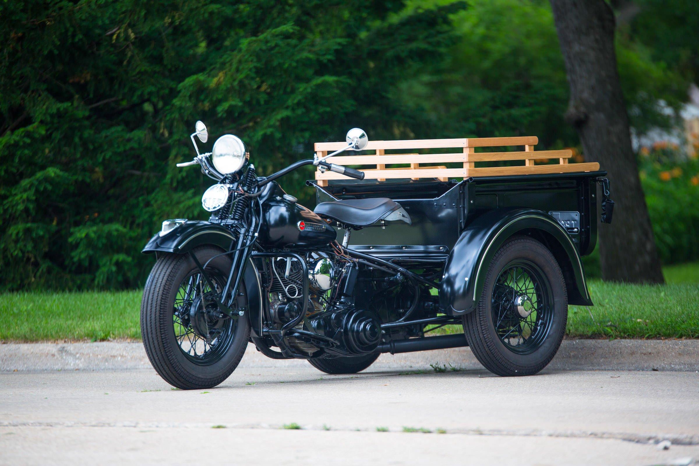 Harley Davidson: A Custom Harley-Davidson Servi-Car X Model T Ford