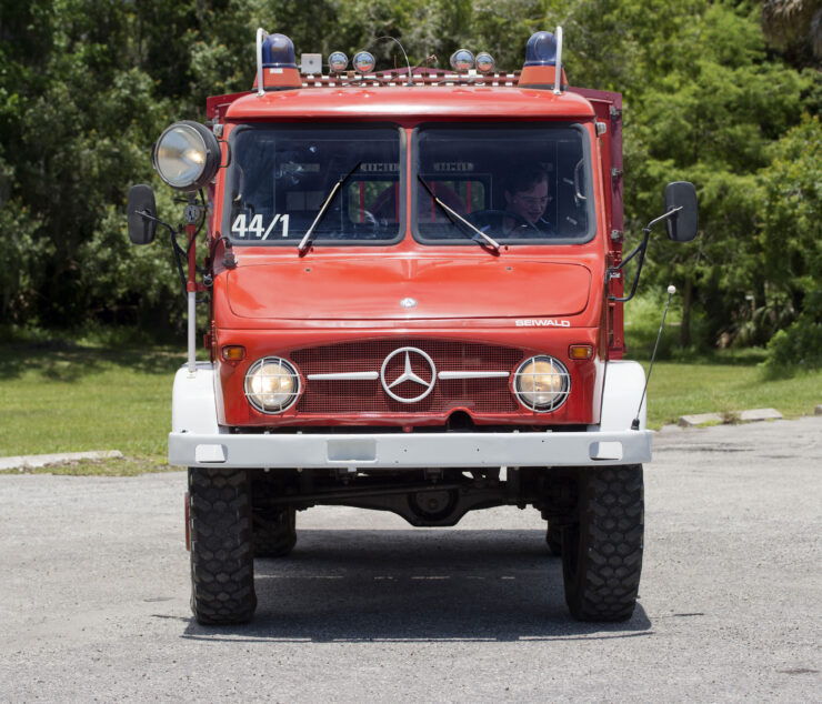 Mercedes-Benz Unimog Front