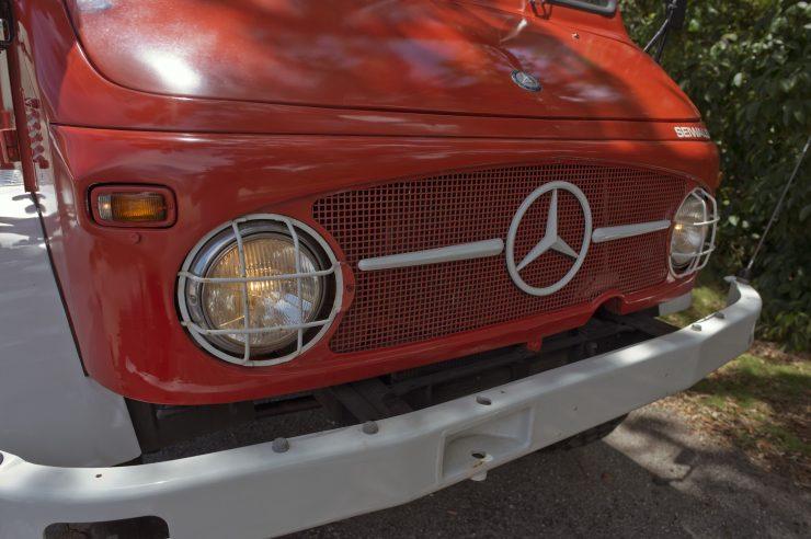 Mercedes-Benz Unimog Grille