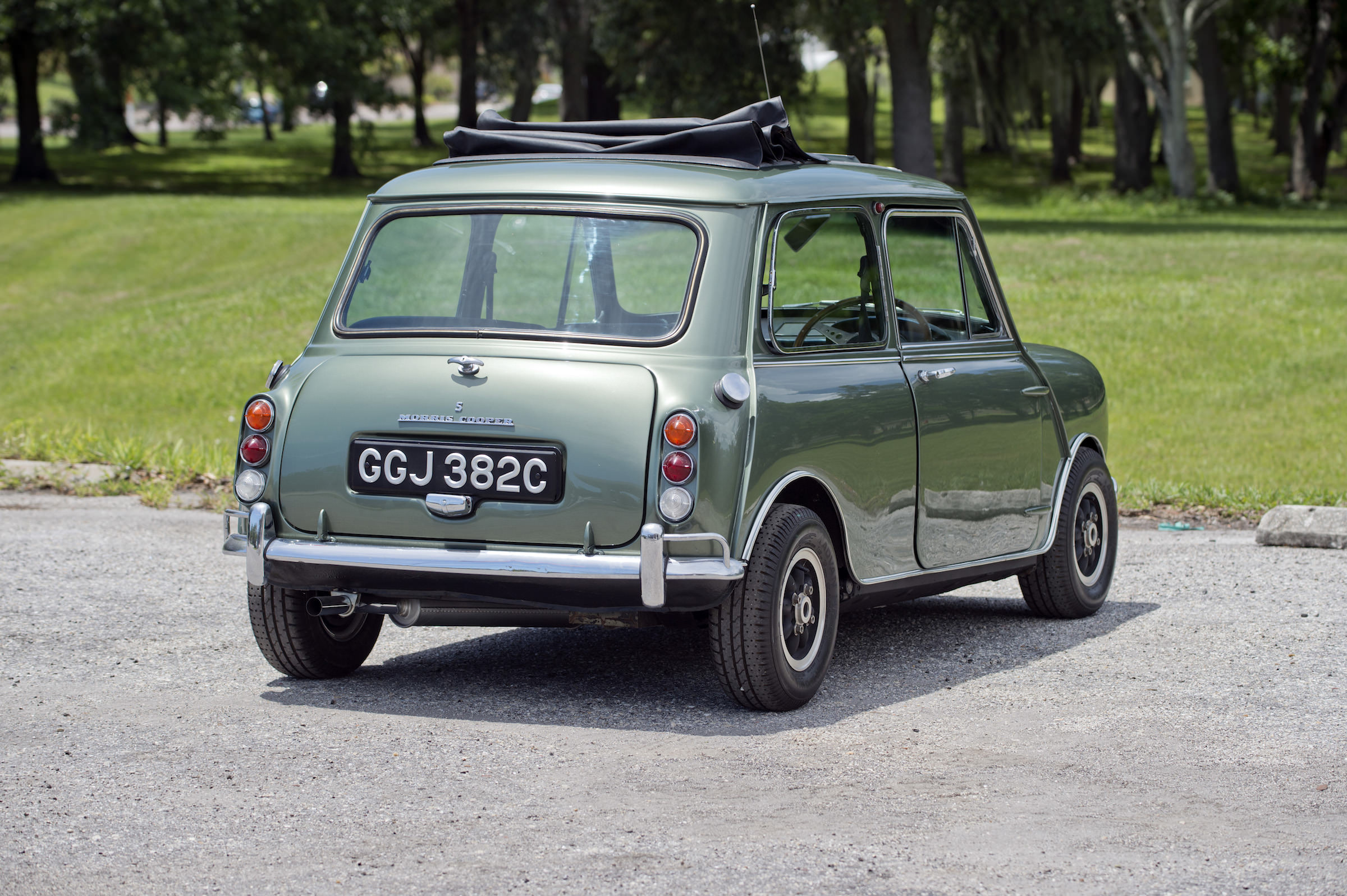 sir paul mccartney 39 s mini cooper s is for sale. Black Bedroom Furniture Sets. Home Design Ideas