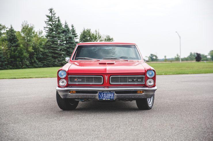 Pontiac GTO Chief Camino Front