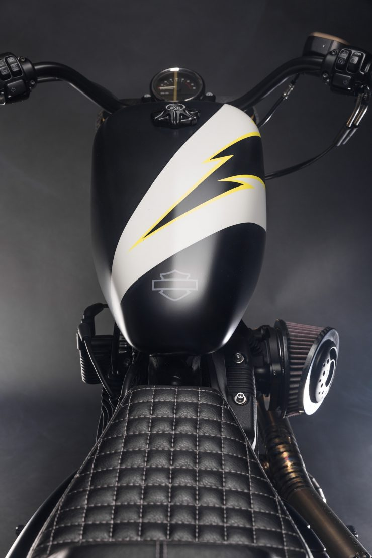 Harley-Davidson Flat Street Tracker Seat